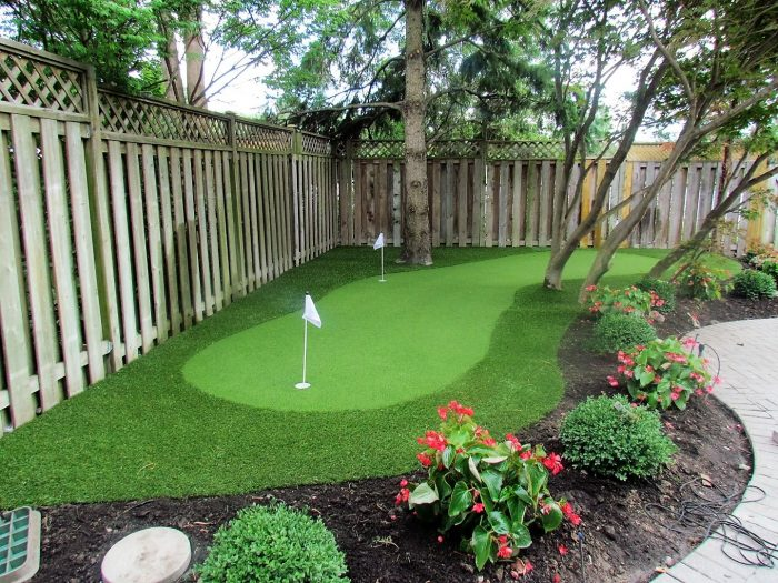 Woodbridge area artificial putting green