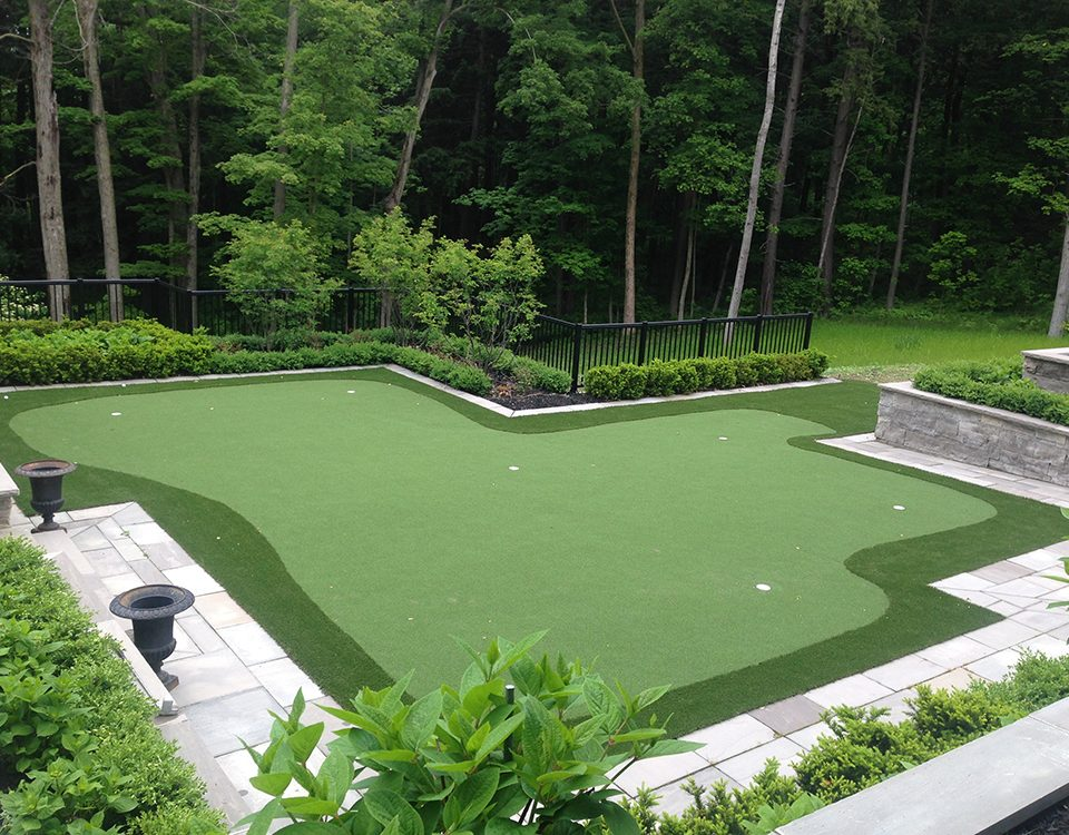 golf green in thornhill backyard