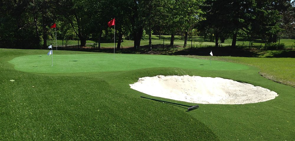 lush putting green and golf turf in Scarborough Ontario