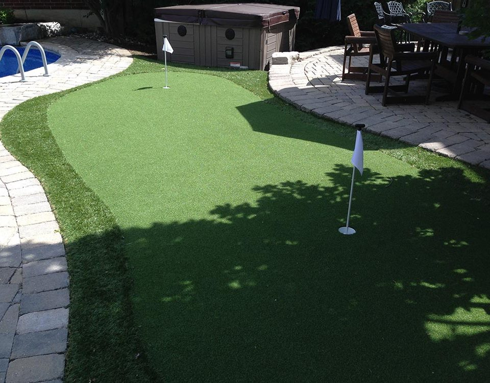 perfect backyard putting green for your home