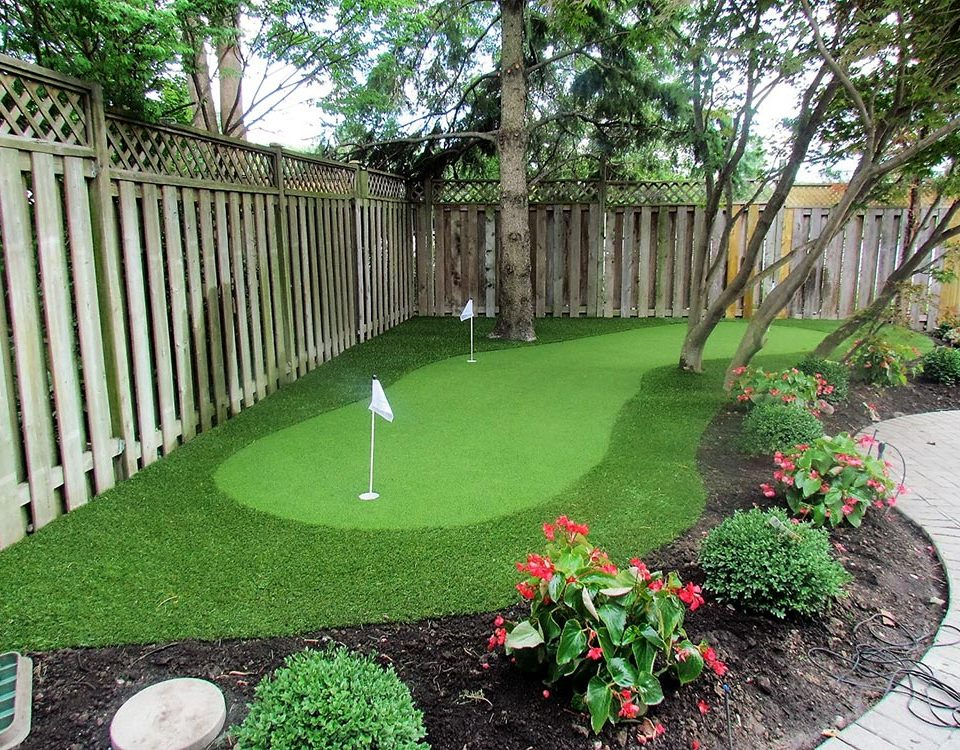 maintenance free putting green at home in etobicoke