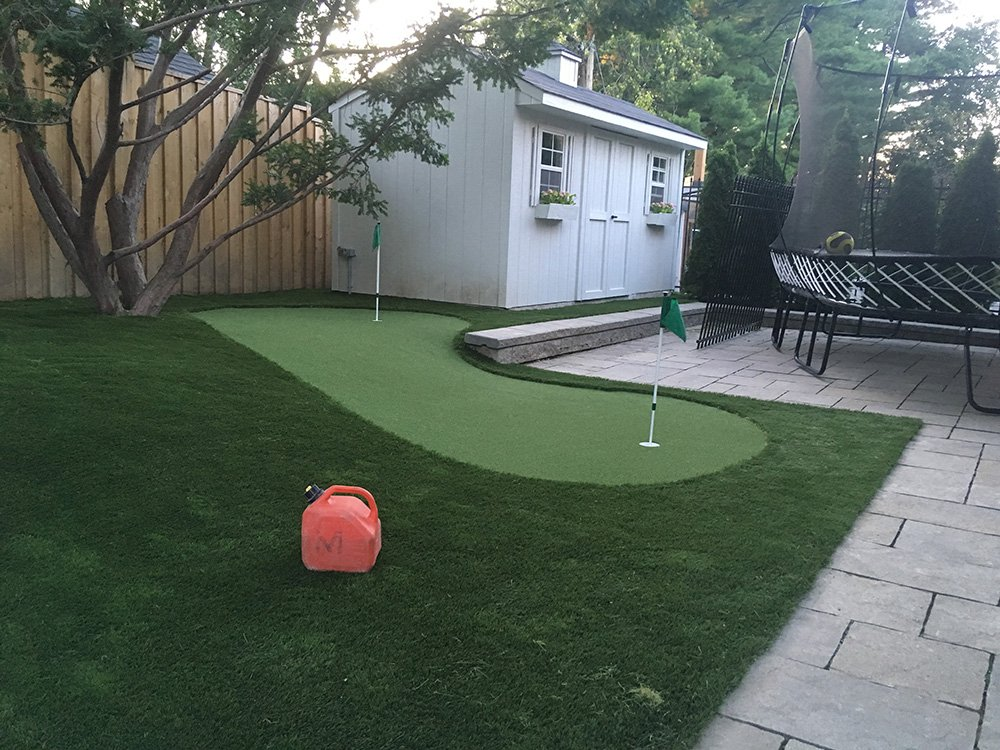 artificial golf greens & turf pic 2