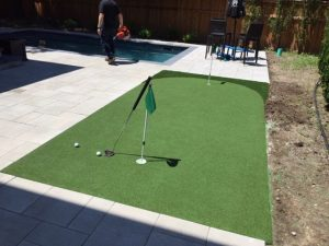 15 x 7.6 great practice for short putts