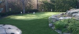 Toronto backyard golf green for the avid golfer