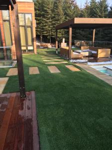 Gorgeous backyard using Natural Real 80