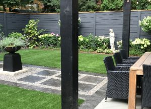 beautiful-artificial-turf-around-dining-area