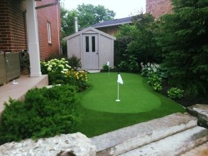 2-hole-synthetic-turf-golf-green