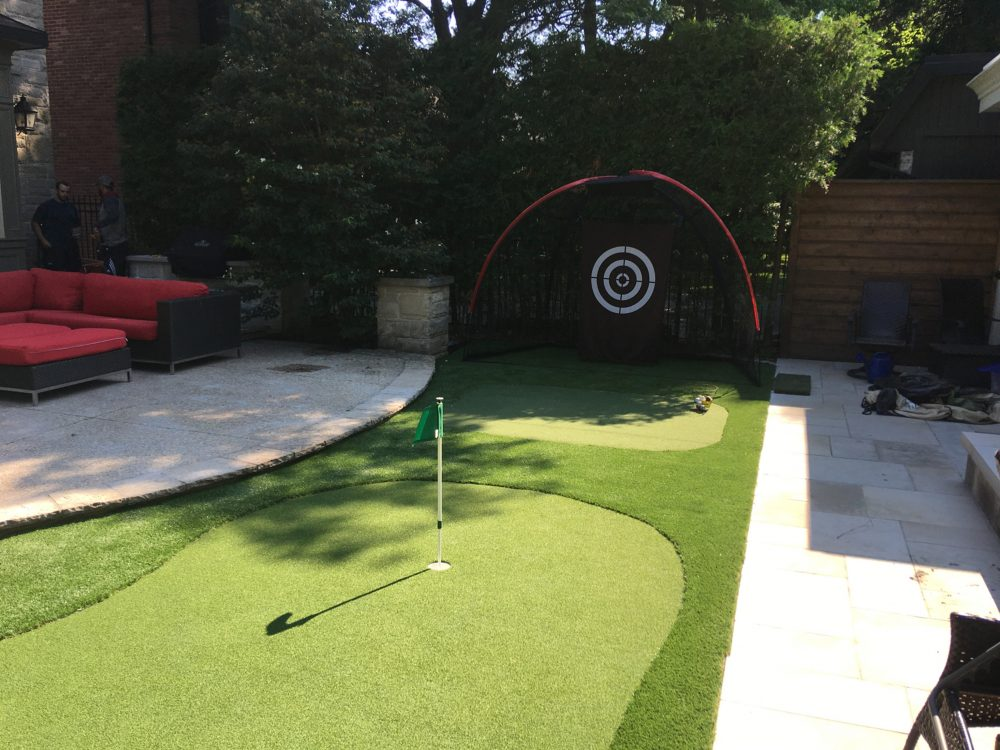 Putting green fringe turf hitting net