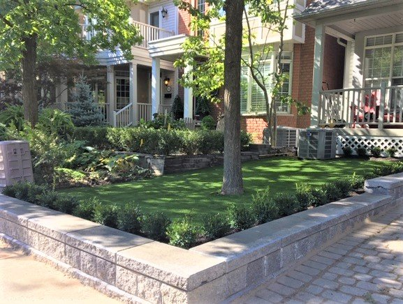 Retaining wall boxwood hedging artificial grass