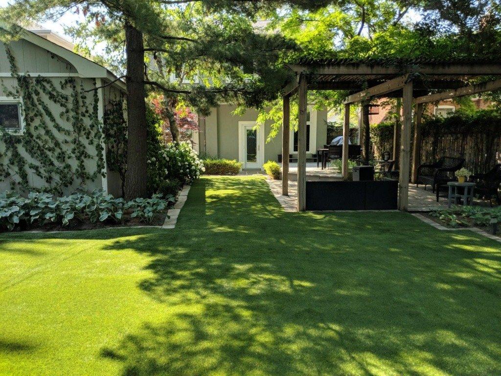 entrance to pretty backyard